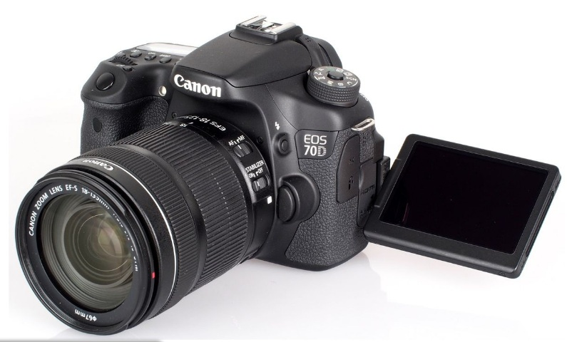 Canon EOS 70D + Kit 18-55 IS STM-2