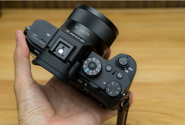 Sony Alpha A7r Mark II - BODY-1