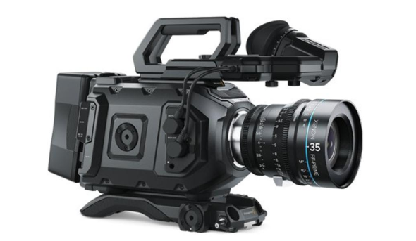 BlackMagic URSA Mini 4.6K EF - 1