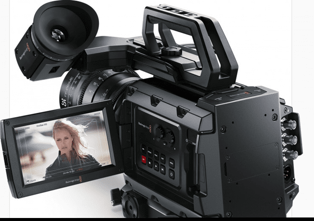BlackMagic URSA Mini 4.6K EF - 3